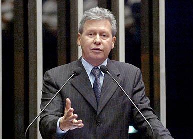 Virgílio: apesar do PT, Brasil é uma democracia