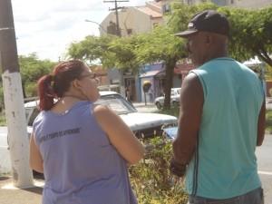 Secretaria de Educação percorre a cidade buscando descobrir e  pessoas não alfabetizadas