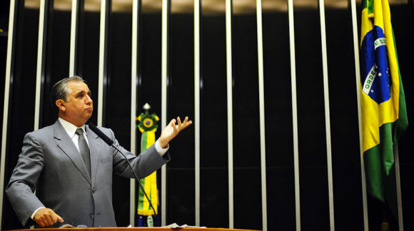 Candidato da educação, Izalci Lucas concorrerá a uma vaga no Senado pelo DF