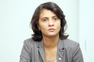 Andreia-Zito-Foto-George-Gianni-2-300x199