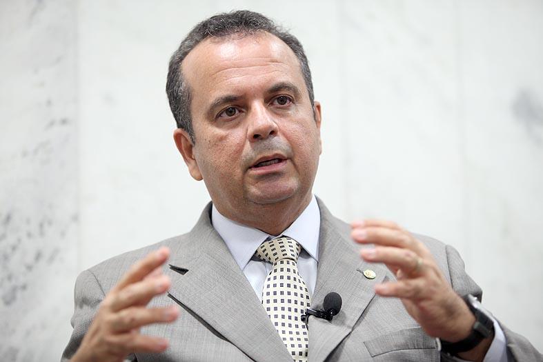 http://static.psdb.org.br/wp-content/uploads/2013/12/rogerio-marinho-foto-george-gianni-psdb-.jpg