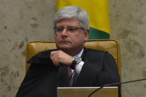 STF julga os segundos embargos de declaração de dez réus no processo do mensalão