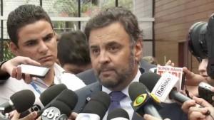 Aécio Neves critica irresponsabilidade do governo federal