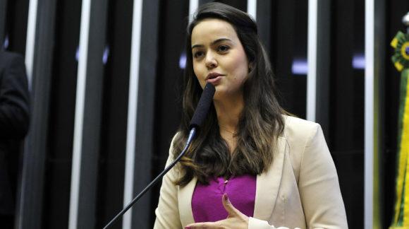 """""""Refundação dos partidos é importante para restabelecer a comunicação com a sociedade"""", diz Shéridan"""
