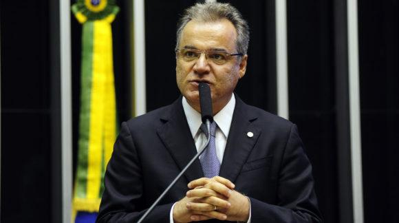Samuel Moreira prevê apresentação do relatório na 1ª quinzena de junho