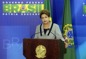 Presidenta-Dilma-Rousseff-durante-cerimonia-de-Sancao-do-Codigo-de-Processo-Civil-foto-Isaac-Amorim-AG-MJ_0005-850x579