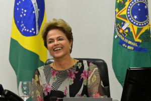 Presidenta Dilma Rousseff durante reunião com líderes dos partidos da base aliada da Câmara dos Deputados, no Palácio do Planalto (Wilson Dia/Agência Brasil)