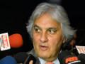 O líder do governo no Senado, Delcídio do Amaral, fala à imprensa
