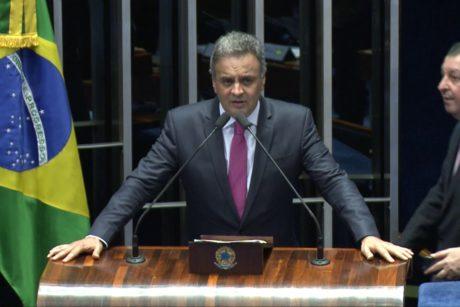 Pronunciamento de Aécio Neves sobre aprovação no Senado da PEC da reforma política