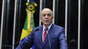 """""""Menos arroubos, mais diplomacia"""", por José Serra"""