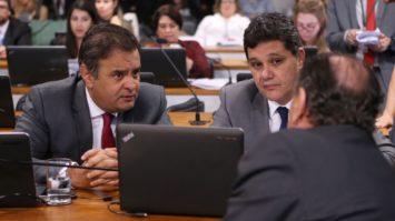Proposta de Aécio e Ferraço na reforma política é aprovada na Câmara