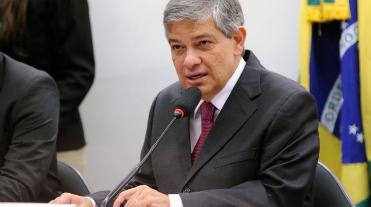 Deputado defende história e referências do PSDB