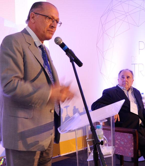 Alckmin, Cristovam e Aníbal abrem seminário Desafios Políticos de um Mundo em Intensa Transformação