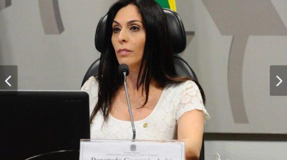 Geovania de Sá repassa recursos para municípios catarinenses