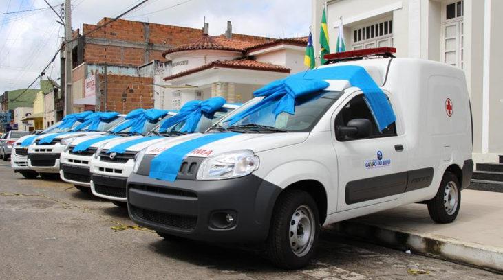 Prefeito Marcell Souza entrega sete novos veículos à população