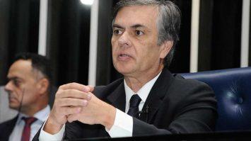 Cássio Cunha Lima propõe decreto para retomar pagamento do Seguro Defeso