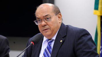 Comissão de Relações Exteriores monitora situação de brasileiros detidos nos EUA