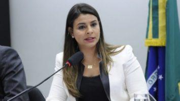 Agressor terá que ressarcir custos com vítima de violência doméstica, determina PL de Mariana aprovado no Senado