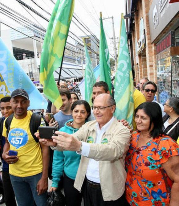 No Brás, Geraldo Alckmin promete ampliação de crédito para microempreendedores