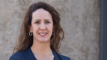 Candidata a deputada federal, Samanta Duarte defende o aumento da participação feminina na política