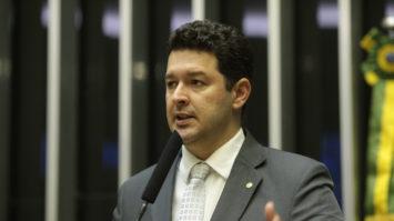 Projeto de Betinho Gomes garante ao FGTS o mesmo rendimento da poupança