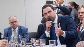 PL de Adolfo Viana destina milhagens obtidas em viagens oficiais para atletas