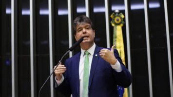 Ruy Carneiro participa de lançamento da Frente Ética Contra a Corrupção