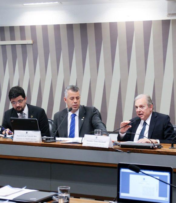 Tasso diz que MP do Saneamento promove investimentos no setor e melhora qualidade de vida
