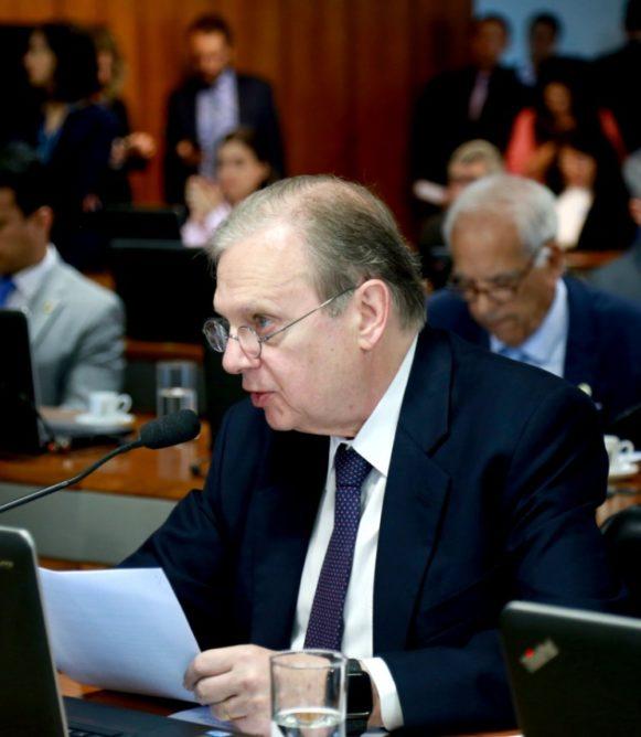 Brasil vive na idade média em termos de esgotamento sanitário, afirma Tasso em entrevista à TV Senado