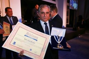 Izalci Lucas (PSDB/DF) recebe homenagem